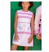 Vestido con tablas y bordado colección rosa de NEKENIA